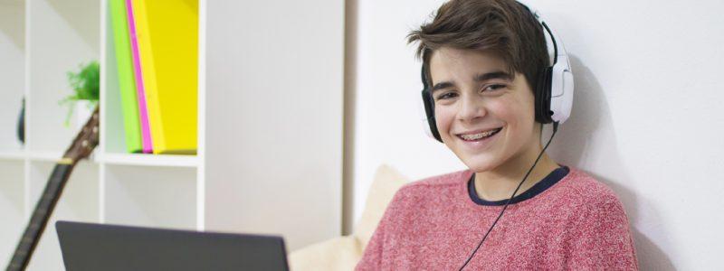 Experiencias clínicas en el tratamiento en línea con adolescentes