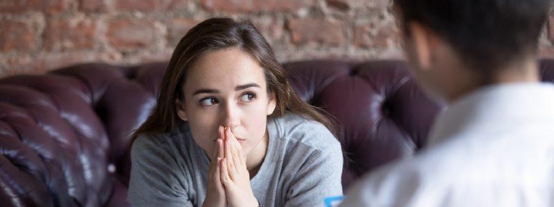 ¿Cómo ayuda la psicoterapia a los adolescentes?
